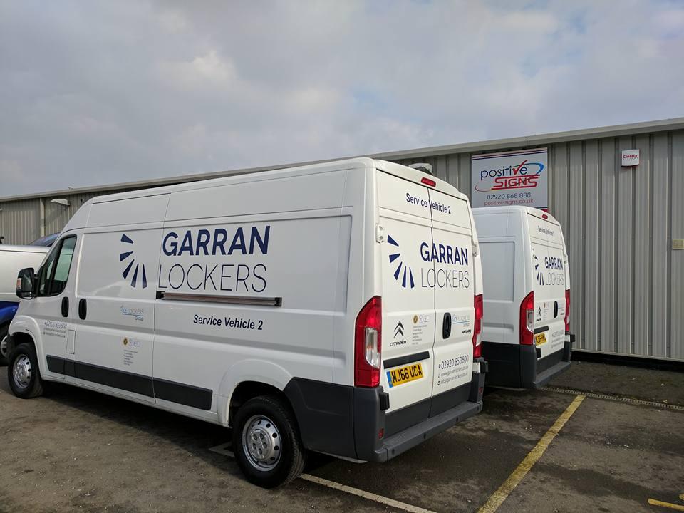 Garran Lockers van signs